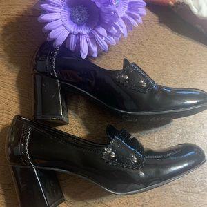 Tahari black patent leather chunky heels  7.5